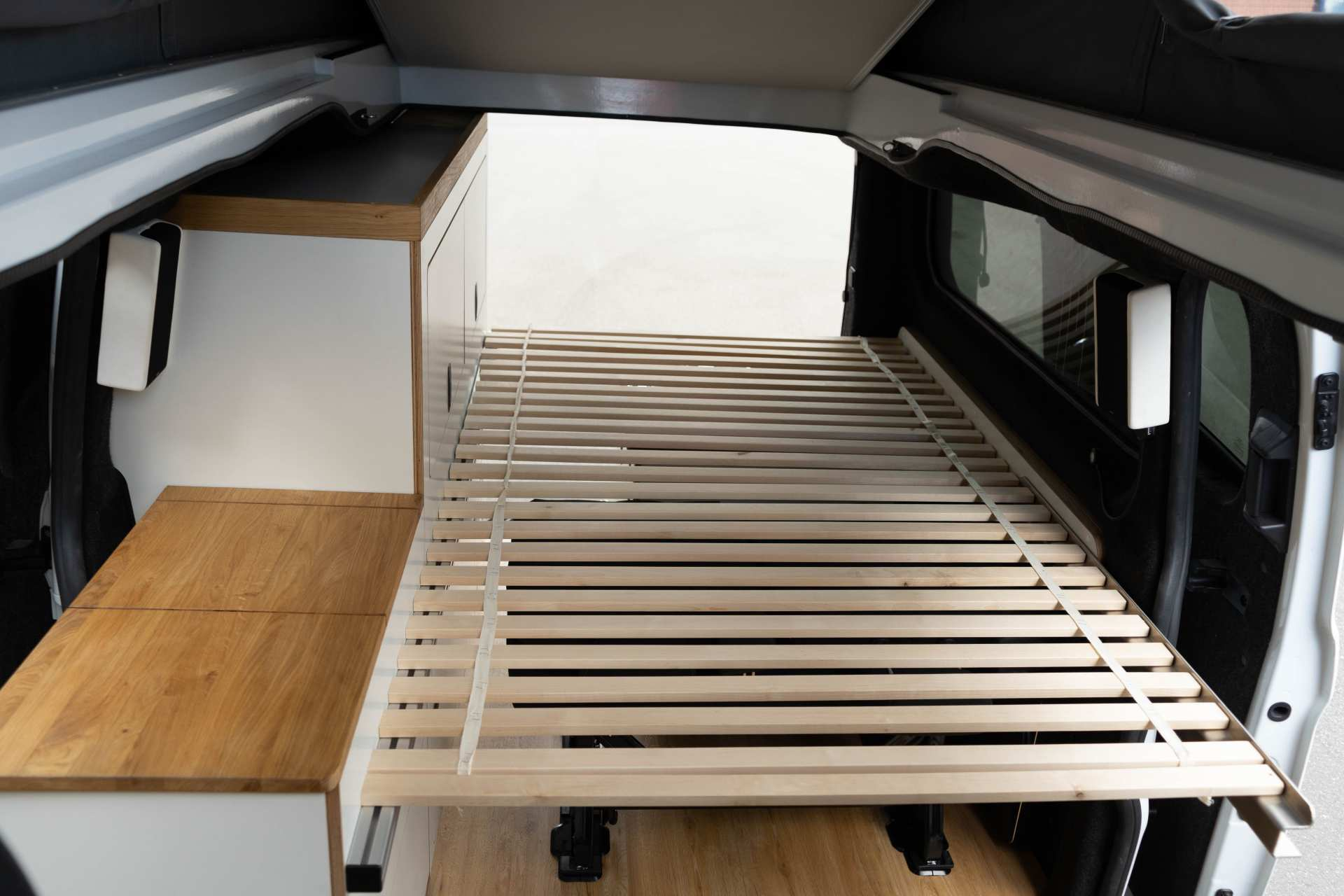 Individualausbau: EXPEDITION Ford Transit Custom, langer Radstand - 11