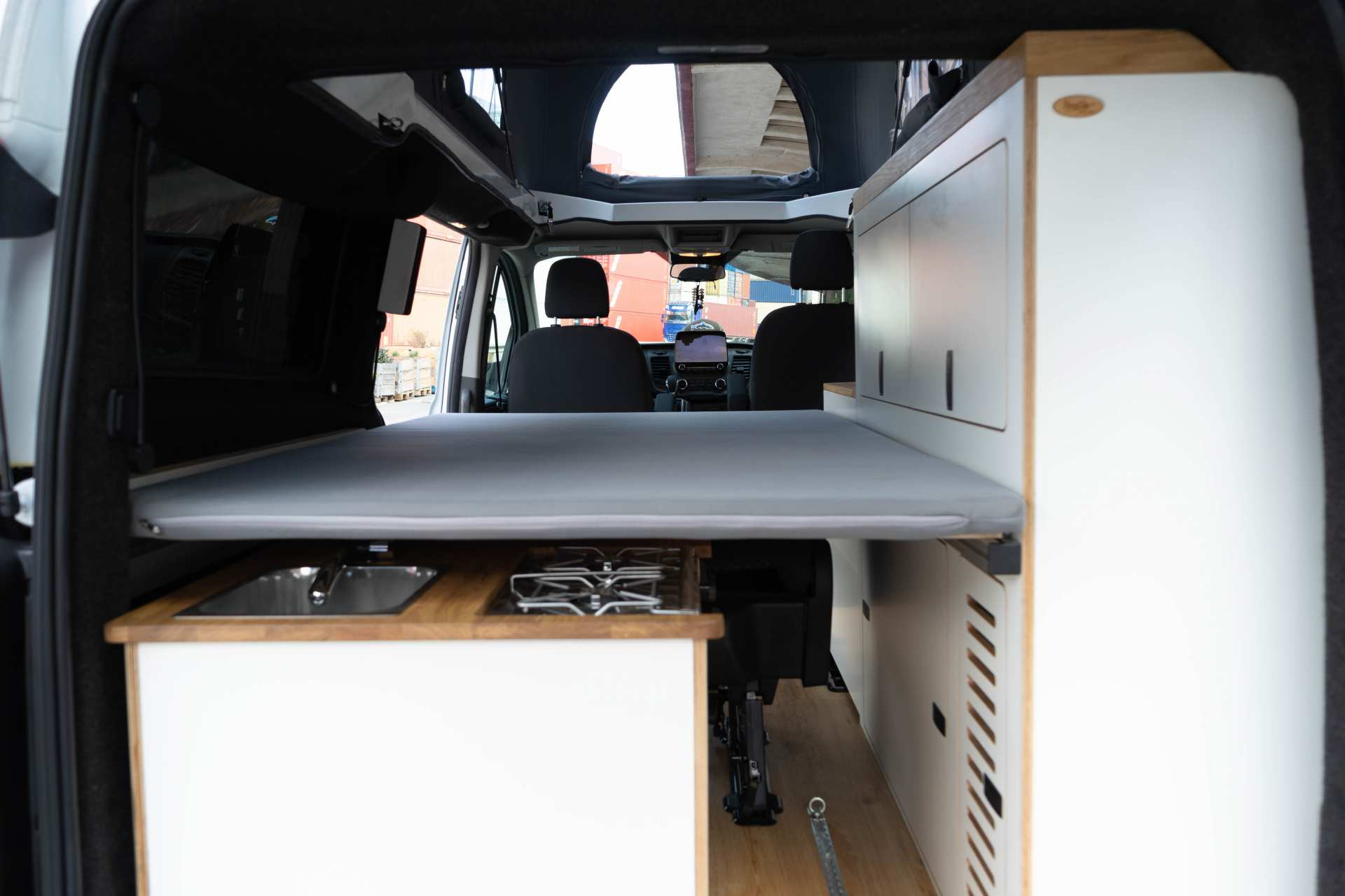 Individualausbau: EXPEDITION Ford Transit Custom, langer Radstand - 13