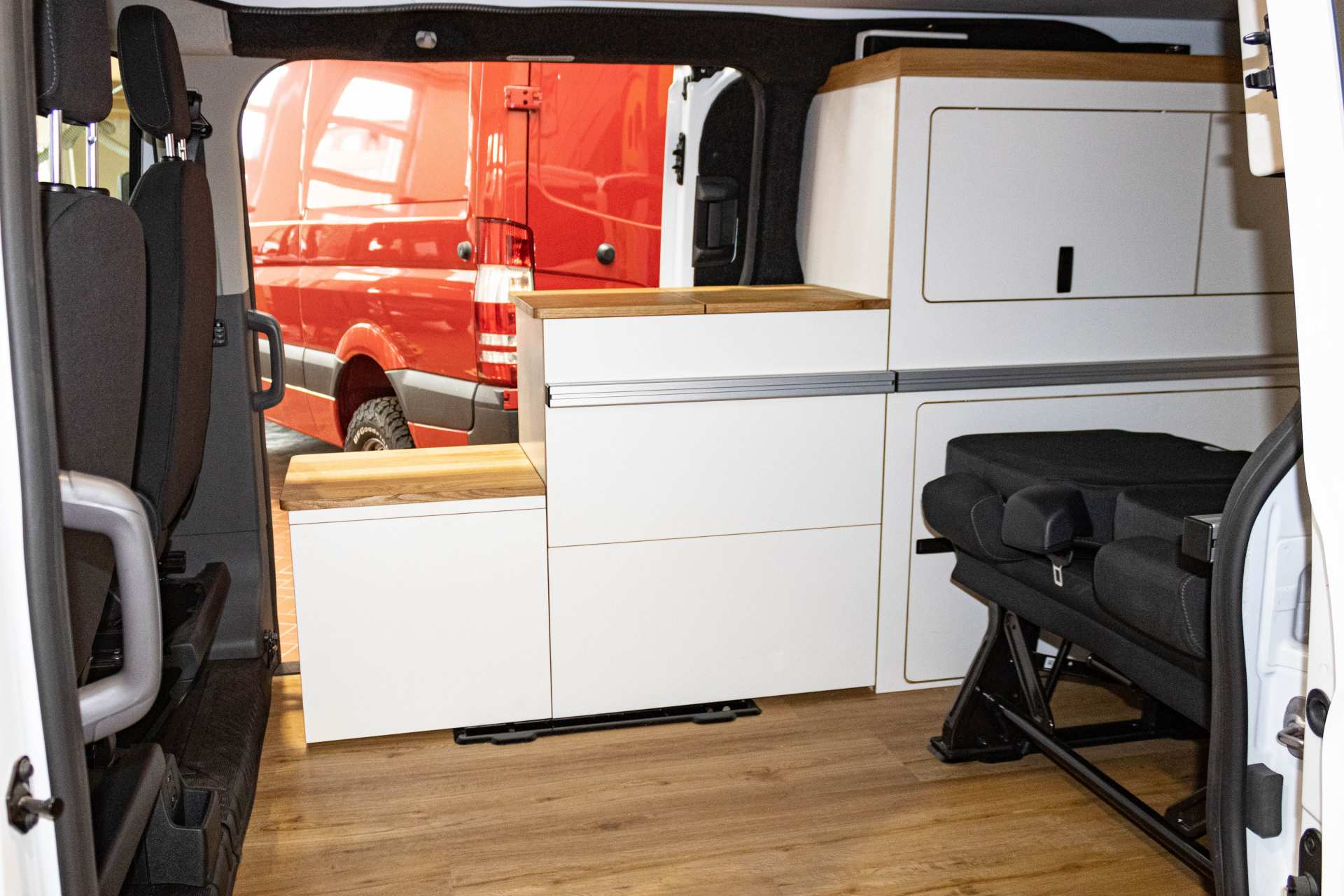 Individualausbau: EXPEDITION Ford Transit Custom, langer Radstand - 16