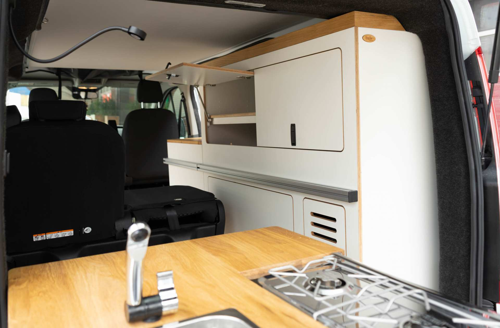 Individualausbau: EXPEDITION Ford Transit Custom, langer Radstand - 25