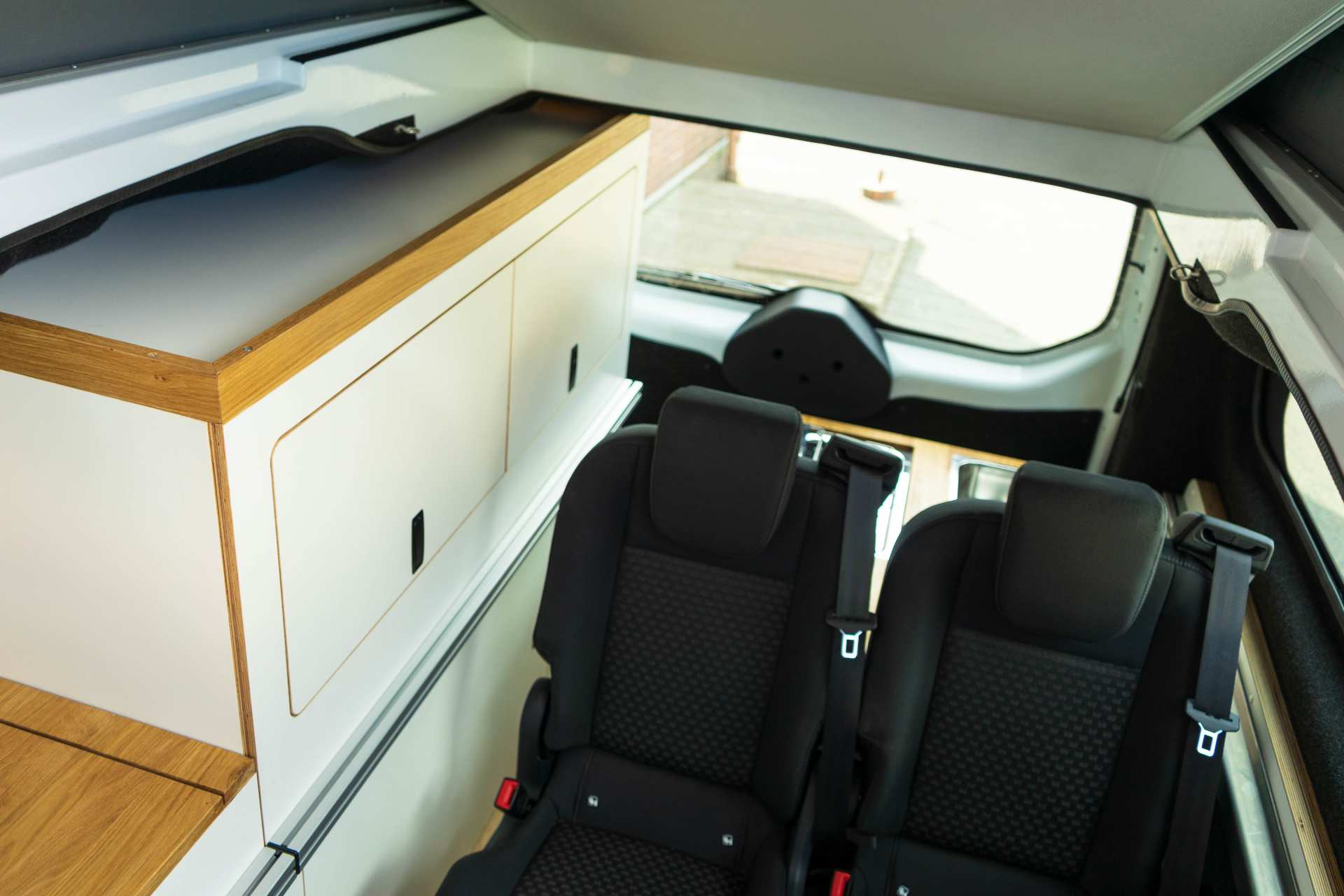 Individualausbau: EXPEDITION Ford Transit Custom, langer Radstand - 26
