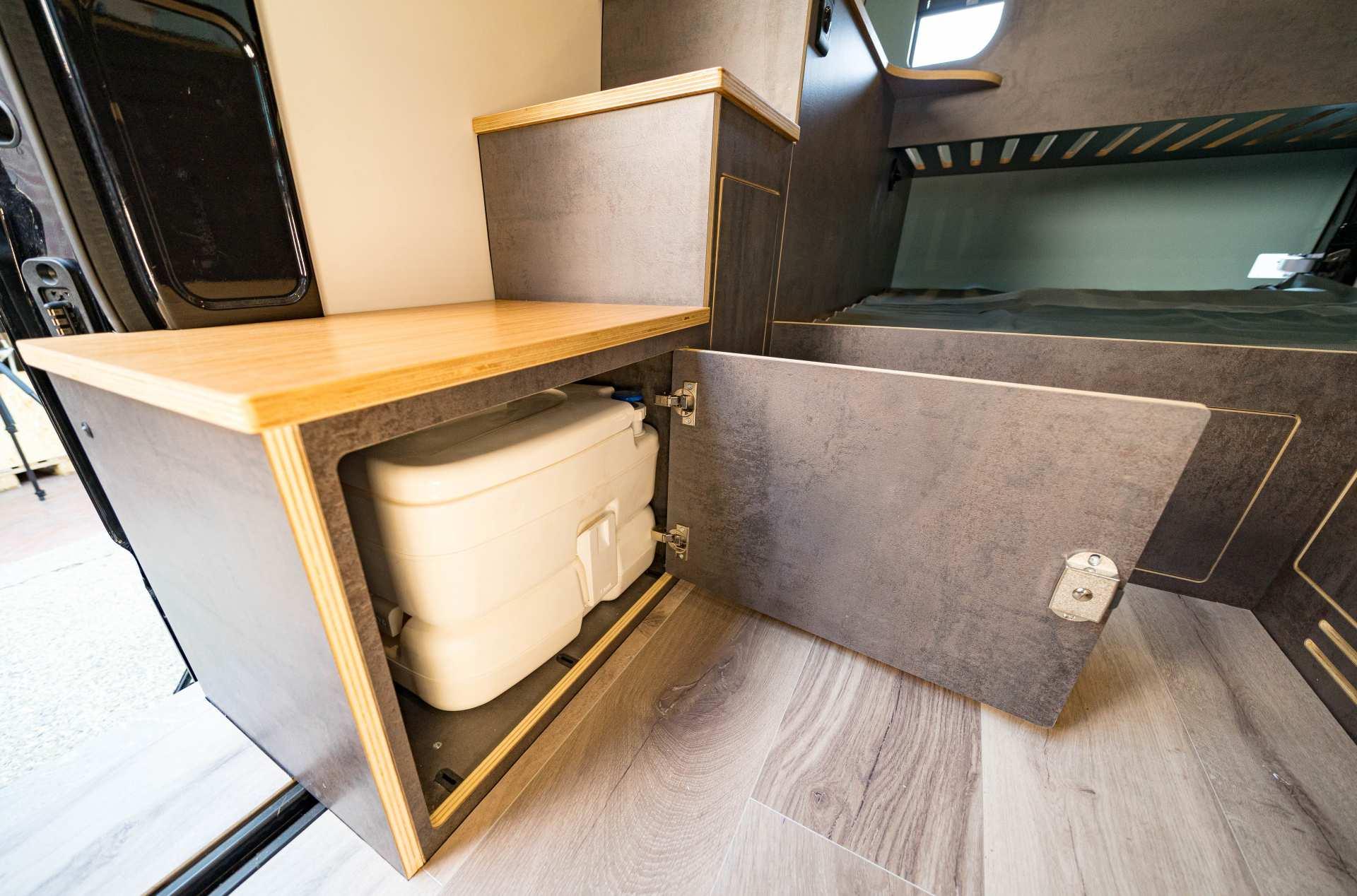 Individualausbau: Full House VW Crafter - 15
