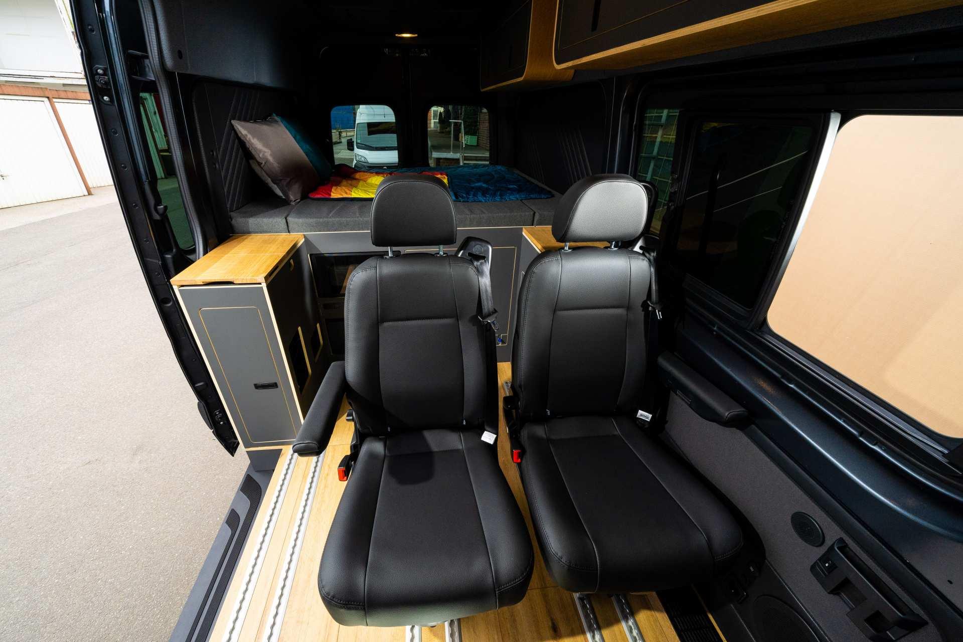 Individualausbau: Mercedes L2 H2 Mixto - 2