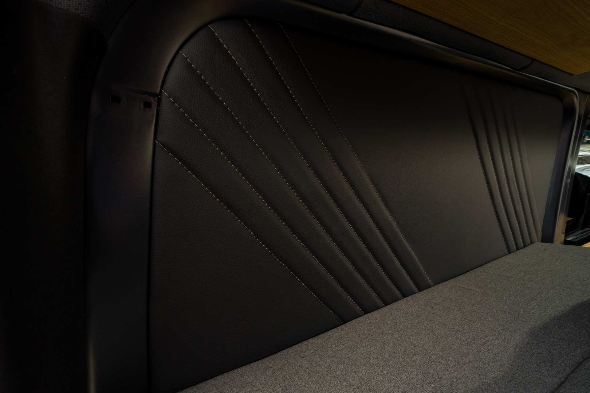 Individualausbau: Mercedes L2 H2 Mixto - 13