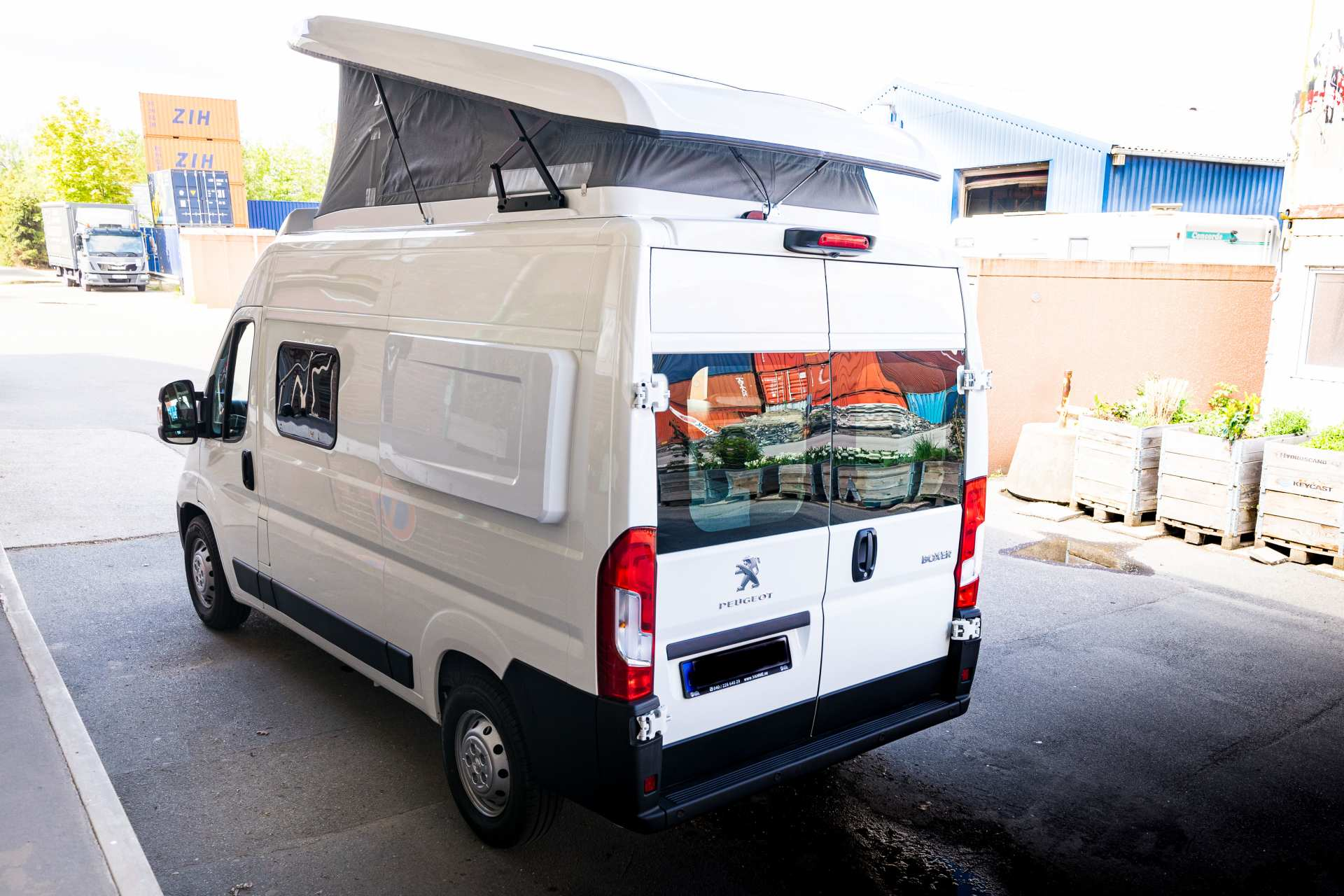 Individualausbau: Zwei-Raumwohnung Peugeot Boxer L2 H2 - 2