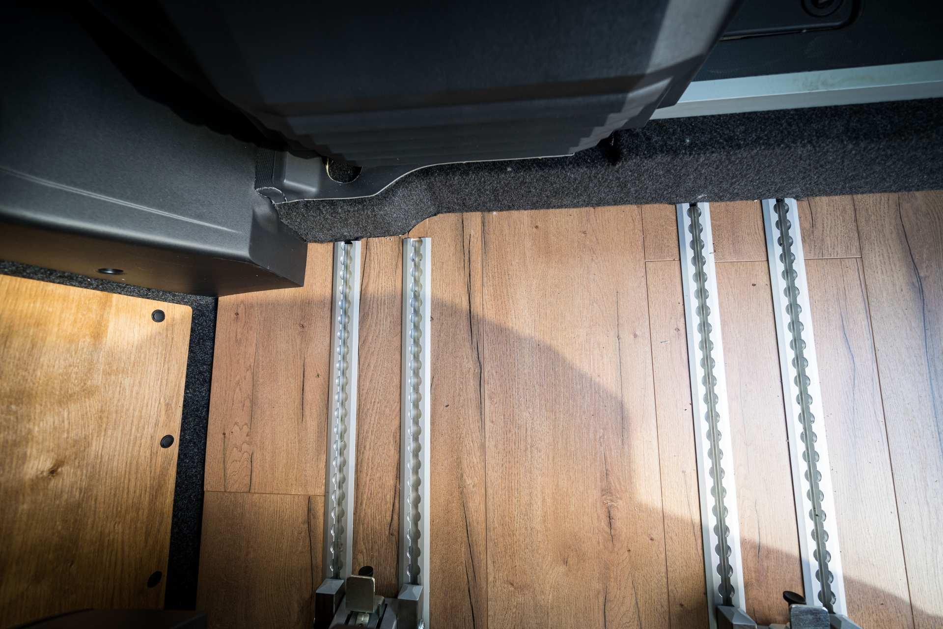 Individualausbau: Zwei-Raumwohnung Peugeot Boxer L2 H2 - 42