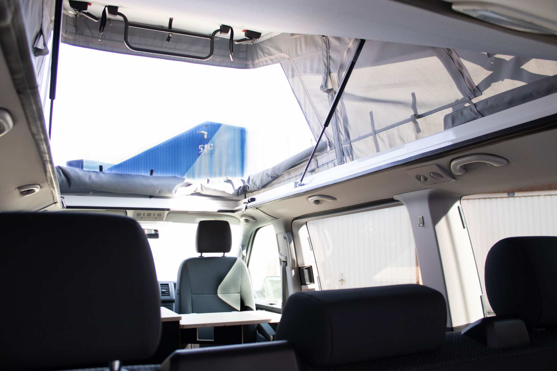 Individualausbau: Multi-Tower VW T6 Multivan - 1