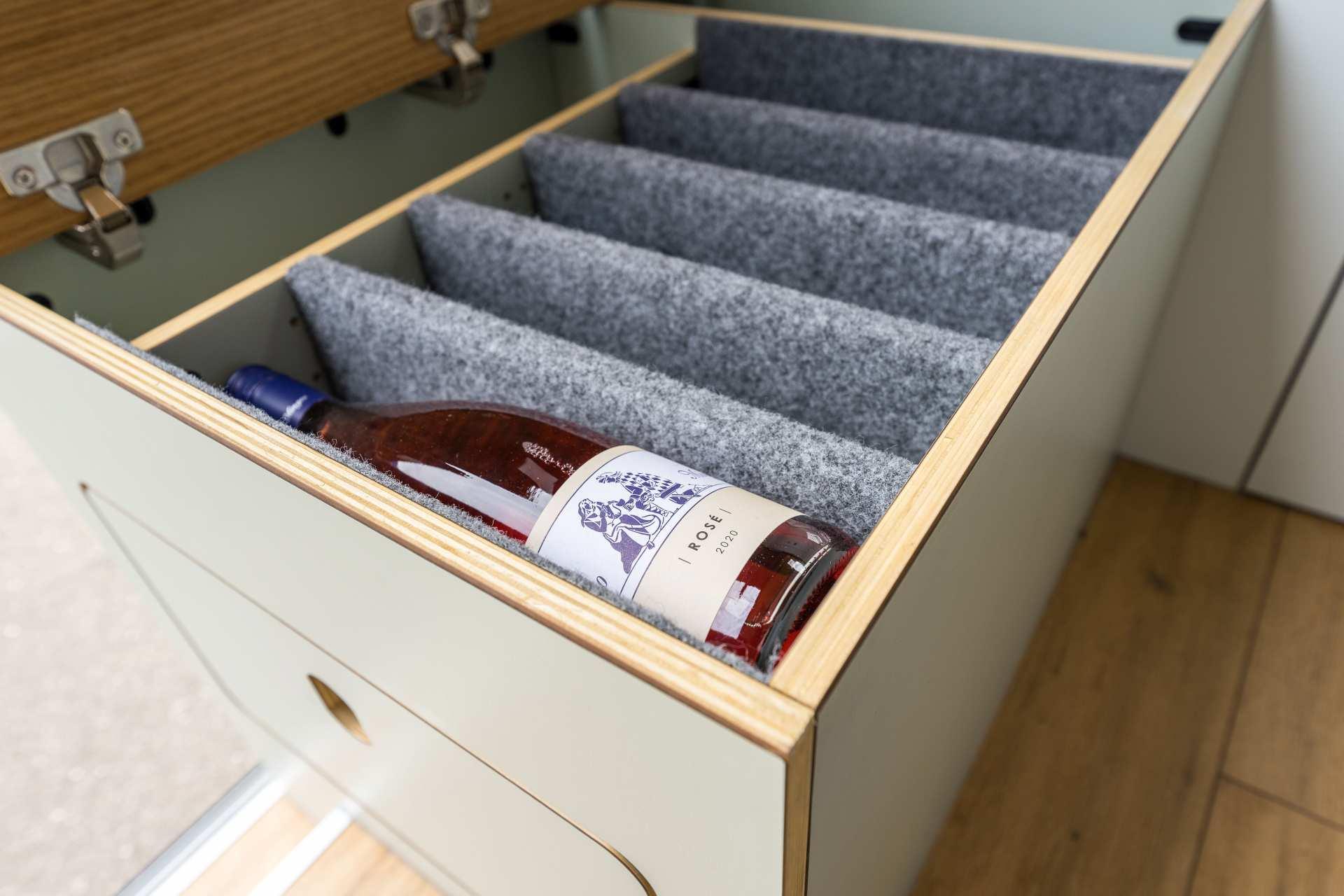 Stauraum-Schublade für Getränke
