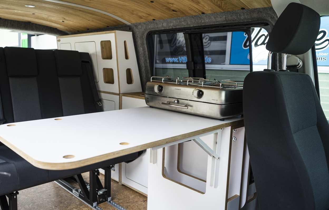 3 in 1 Konzept: VW T6 mit Eiche und Airlineboard - 1