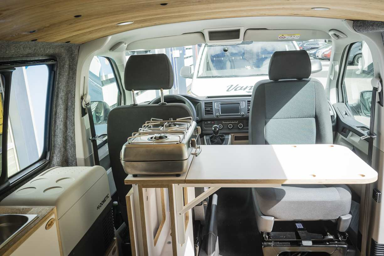 3 in 1 Konzept: VW T6 mit Eiche und Airlineboard - 3