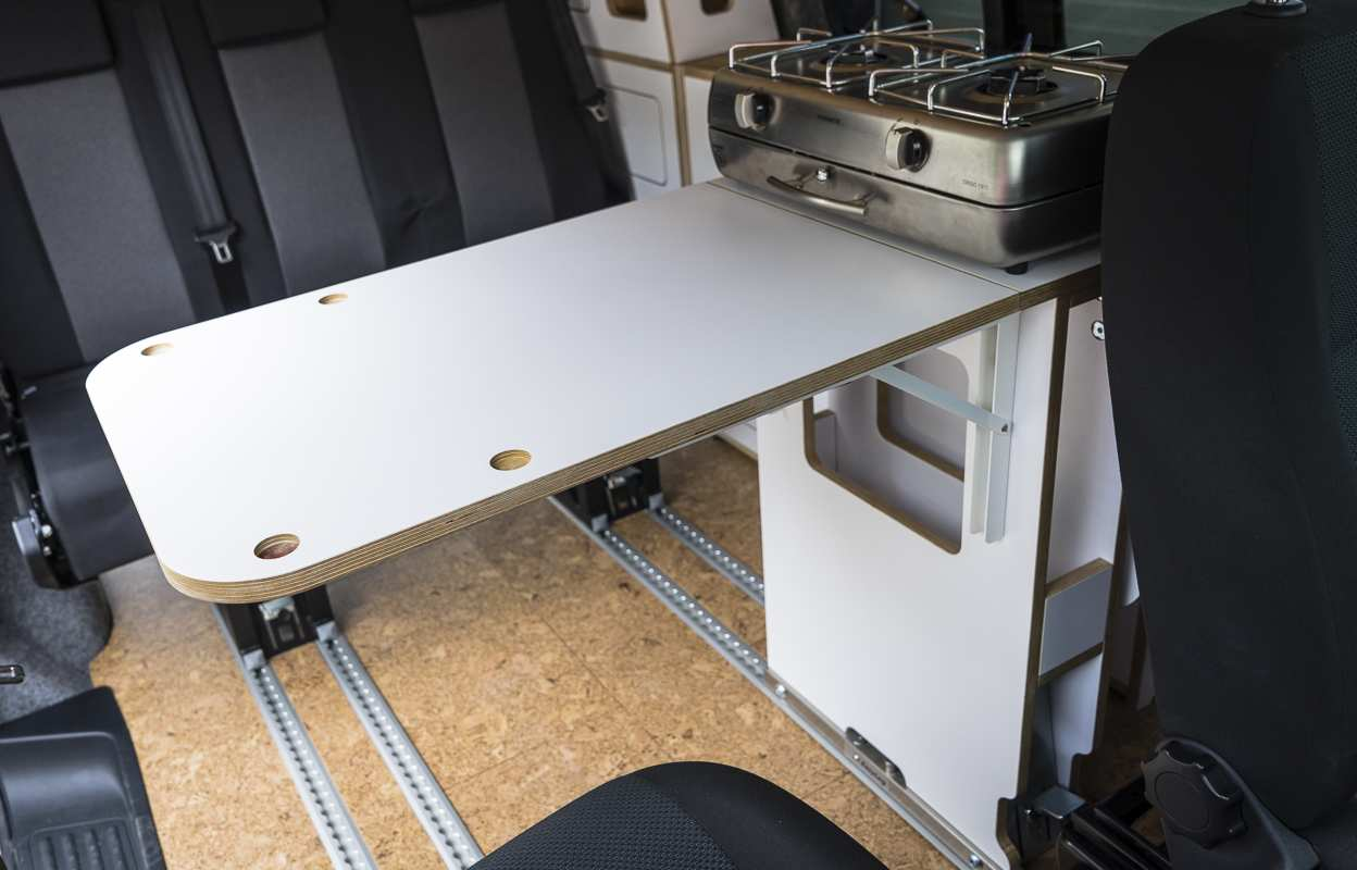 3 in 1 Konzept: VW T6 mit Eiche und Airlineboard - 4