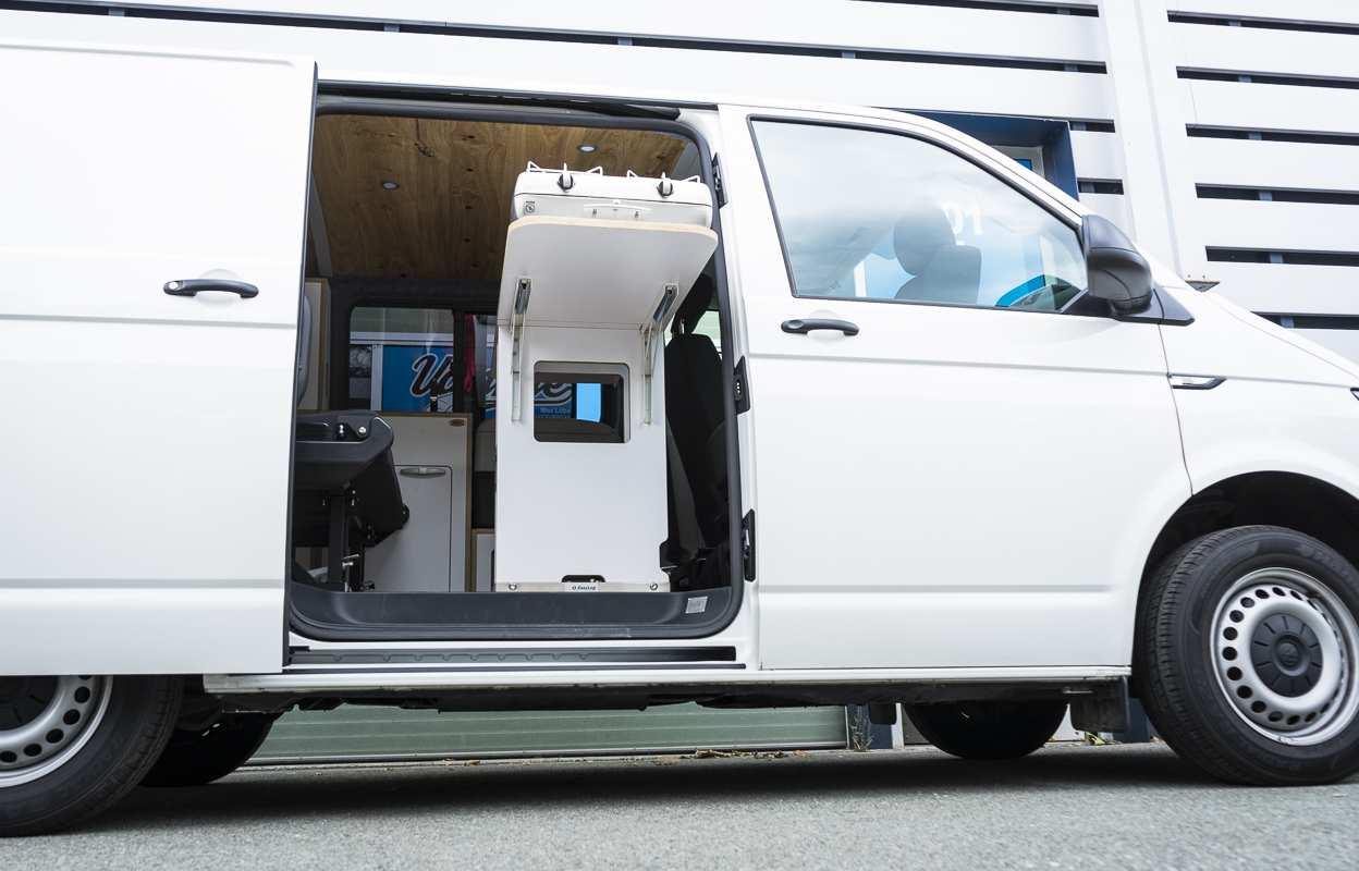 3 in 1 Konzept: VW T6 mit Eiche und Airlineboard - 6