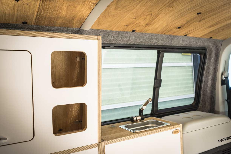 3 in 1 Konzept: VW T6 mit Eiche und Airlineboard - 10