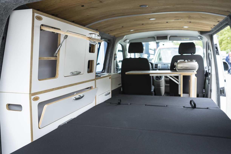3 in 1 Konzept: VW T6 mit Eiche und Airlineboard - 13