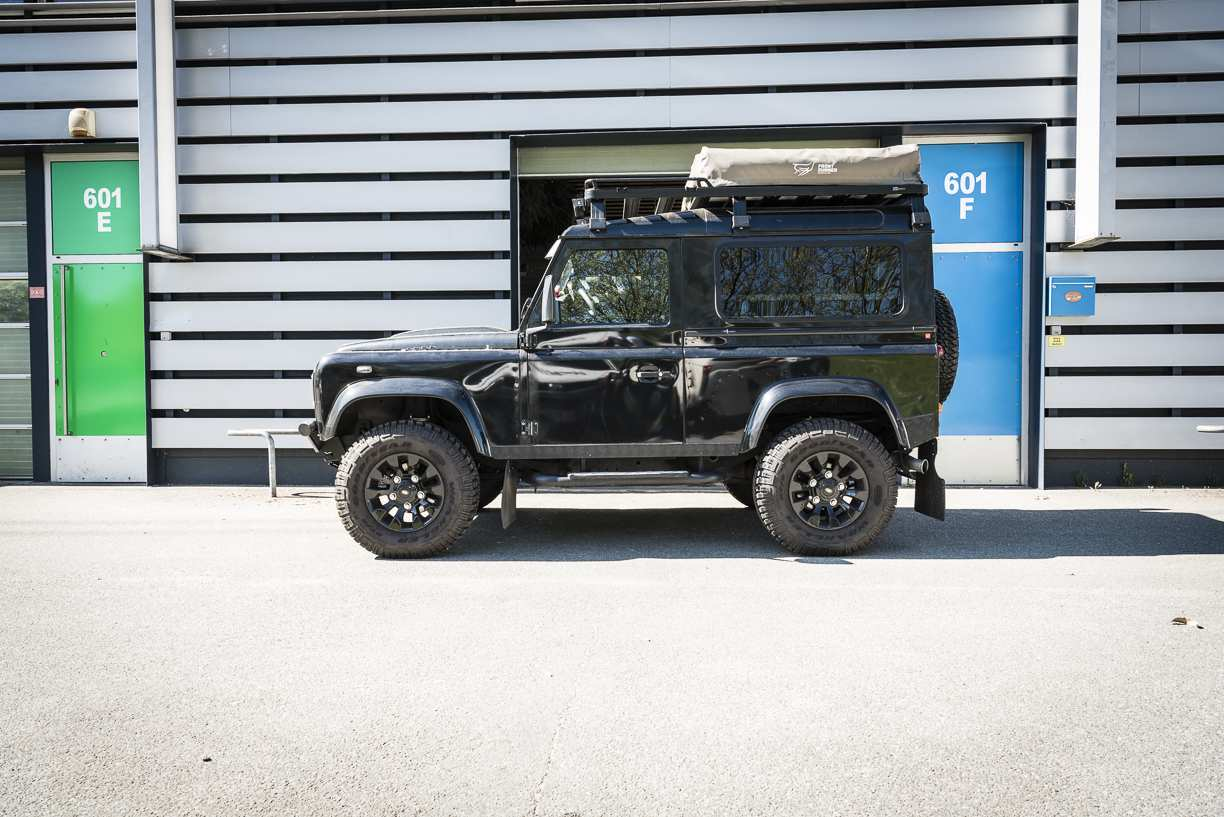 Individualausbau: Land Rover Defender 90 - 1