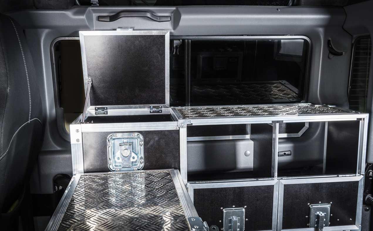 Individualausbau: Land Rover Defender 90 - 6