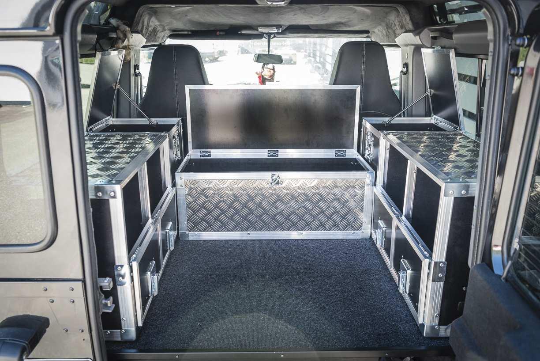Individualausbau: Land Rover Defender 90 - 8