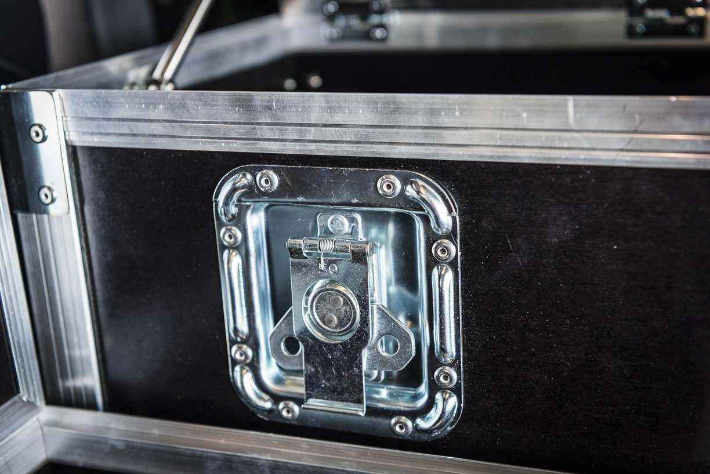 Individualausbau: Land Rover Defender 90 - 17