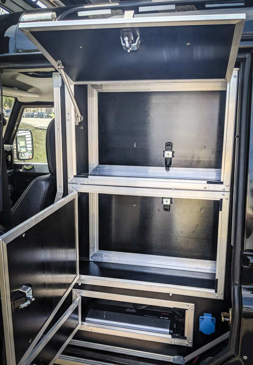 Individualausbau: Land Rover Defender 110 - 10