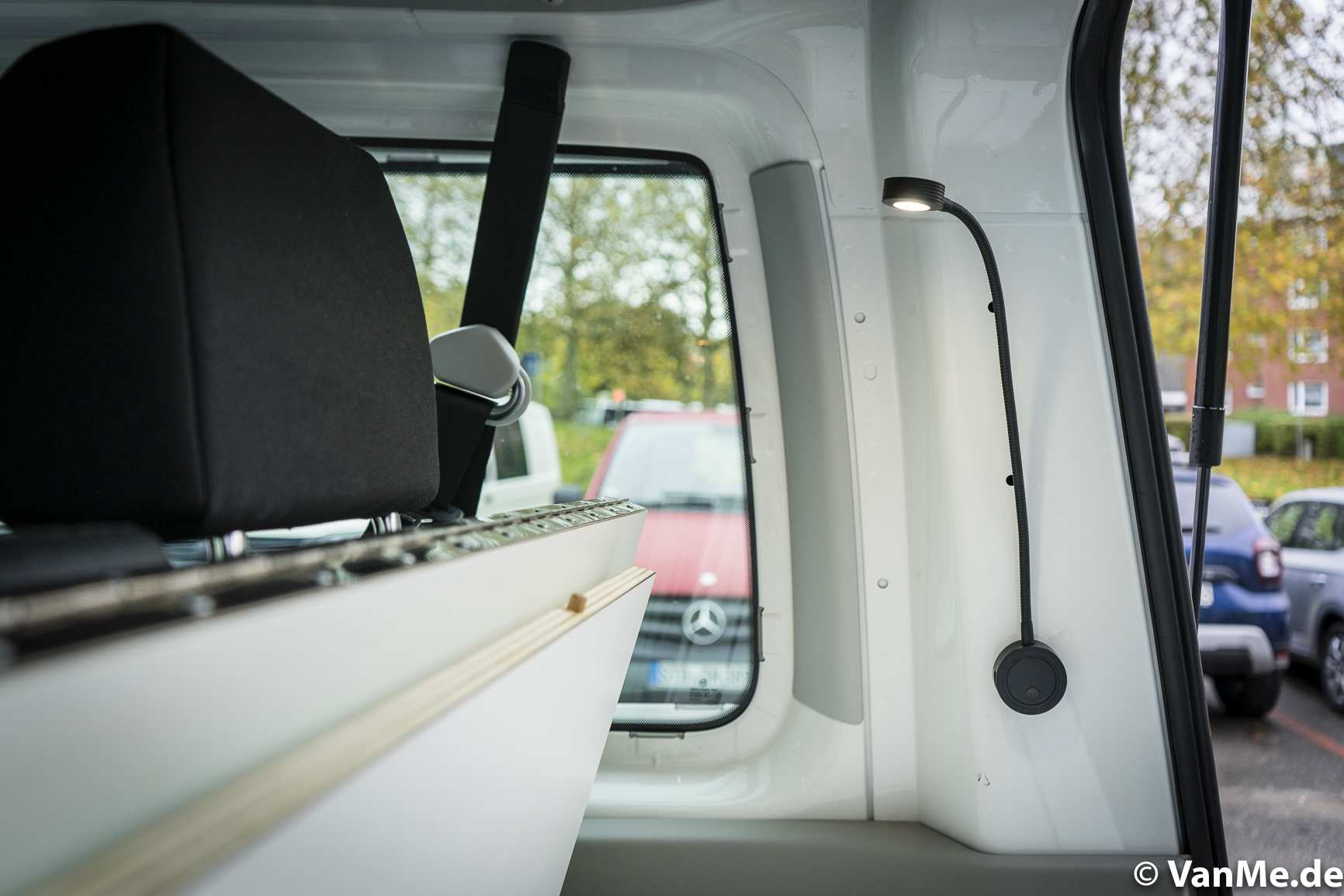 Individualausbau: VW T6 Individual Schlafmöbel - 10