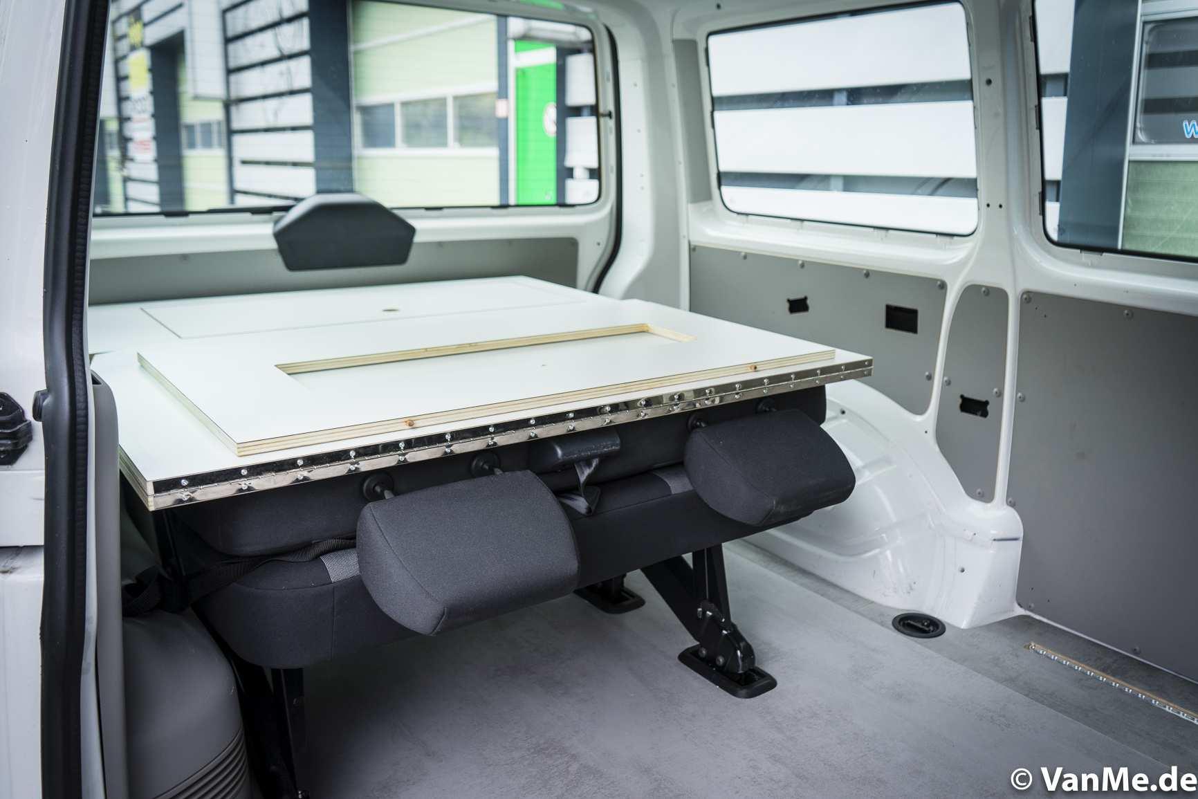 Individualausbau: VW T6 Individual Schlafmöbel - 11