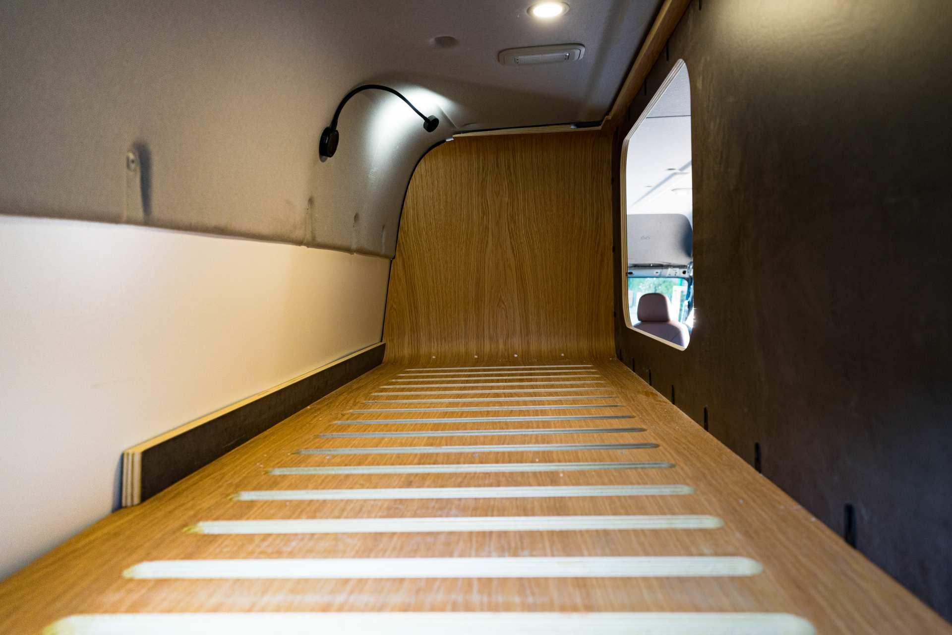 Individualausbau: Full House VW Crafter - 18