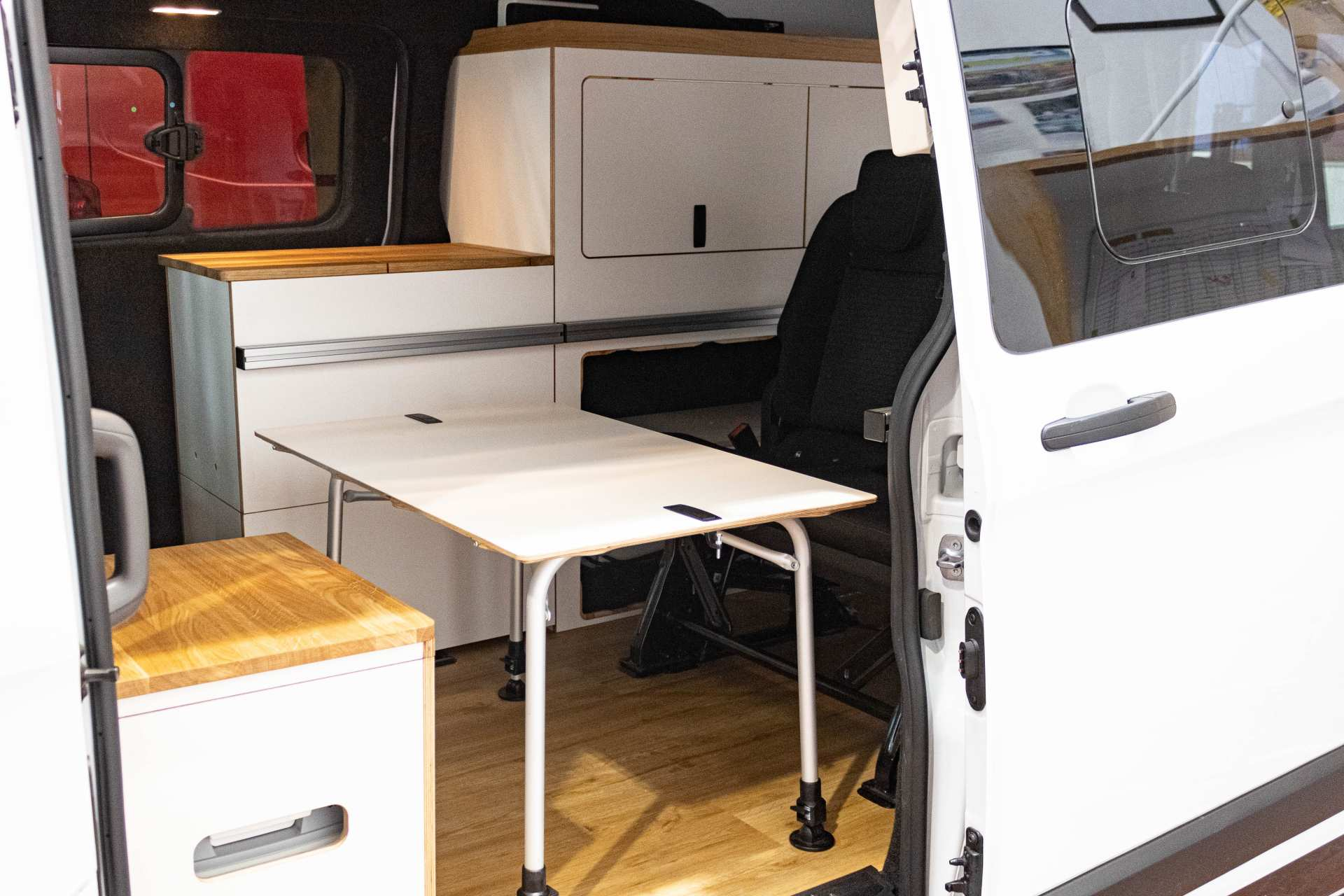 Individualausbau: EXPEDITION Ford Transit Custom, langer Radstand - 17