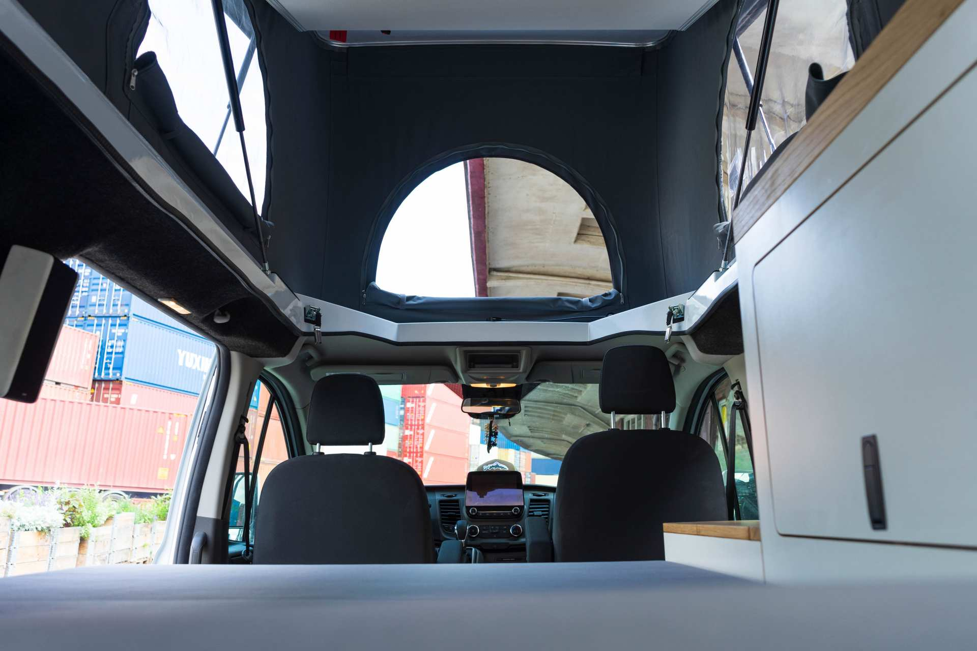 Individualausbau: EXPEDITION Ford Transit Custom, langer Radstand - 21