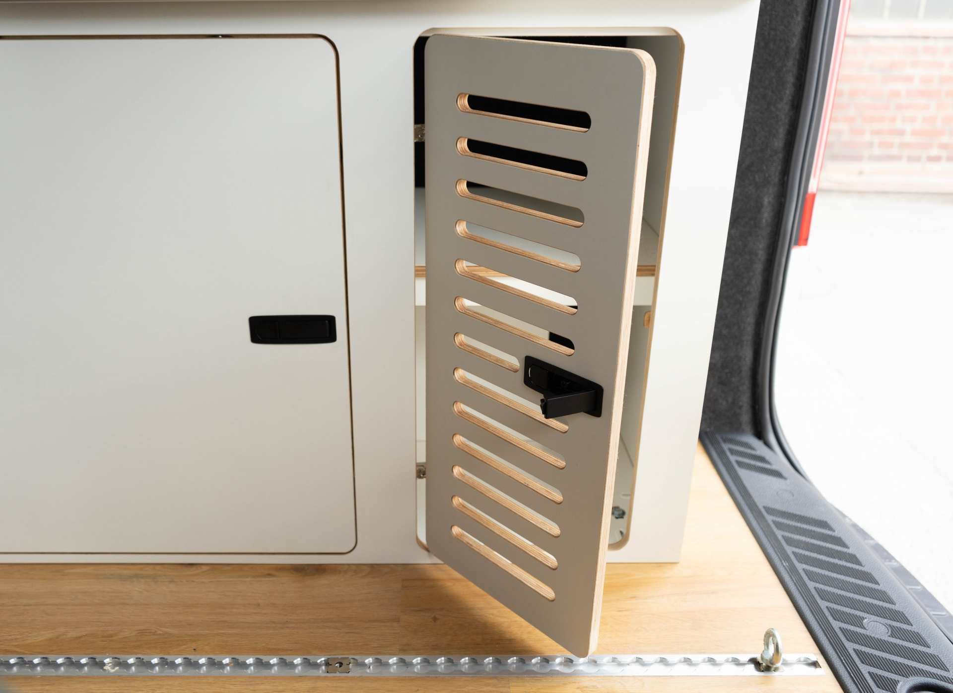Ford Transit Custom Möbel