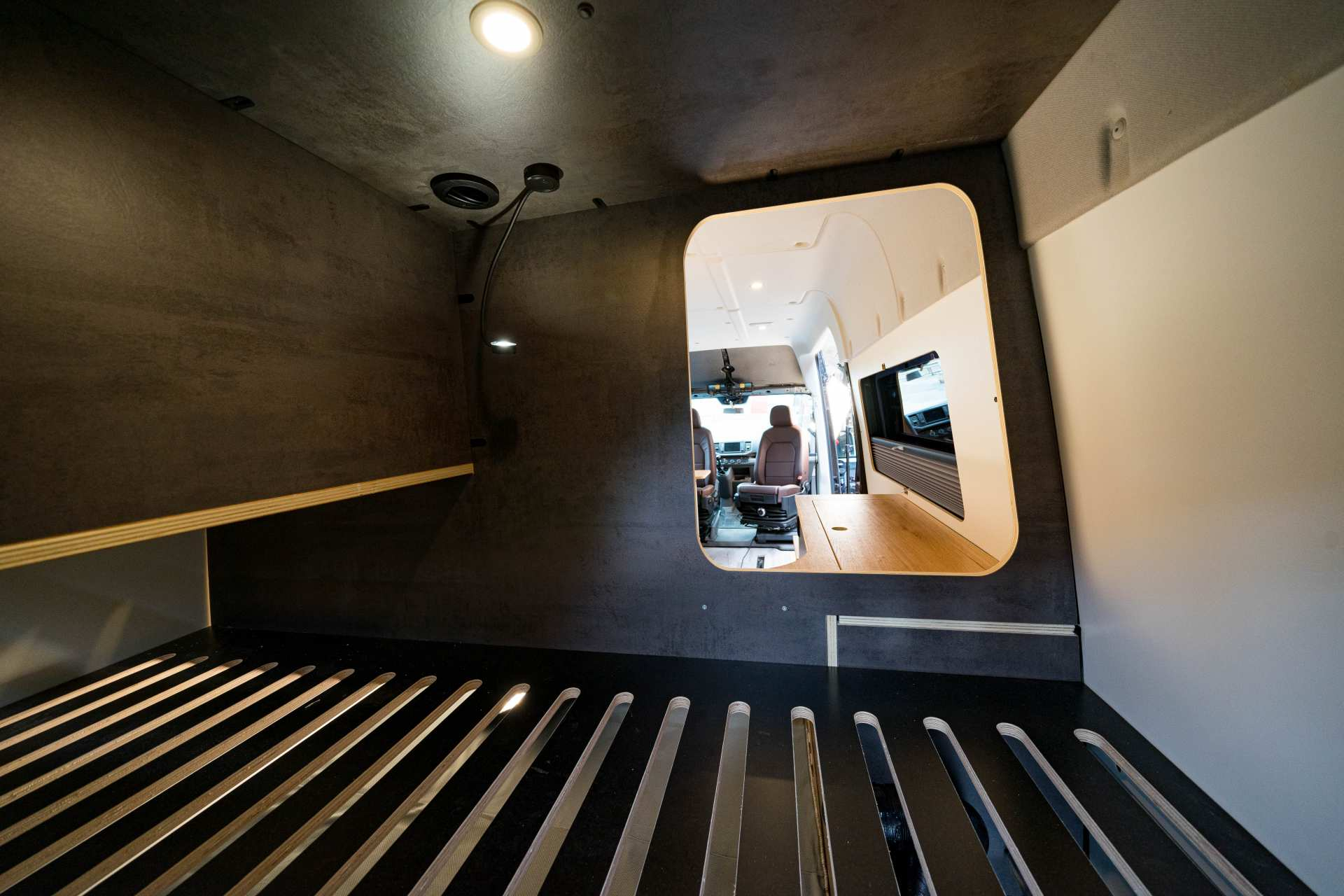 Individualausbau: Full House VW Crafter - 17