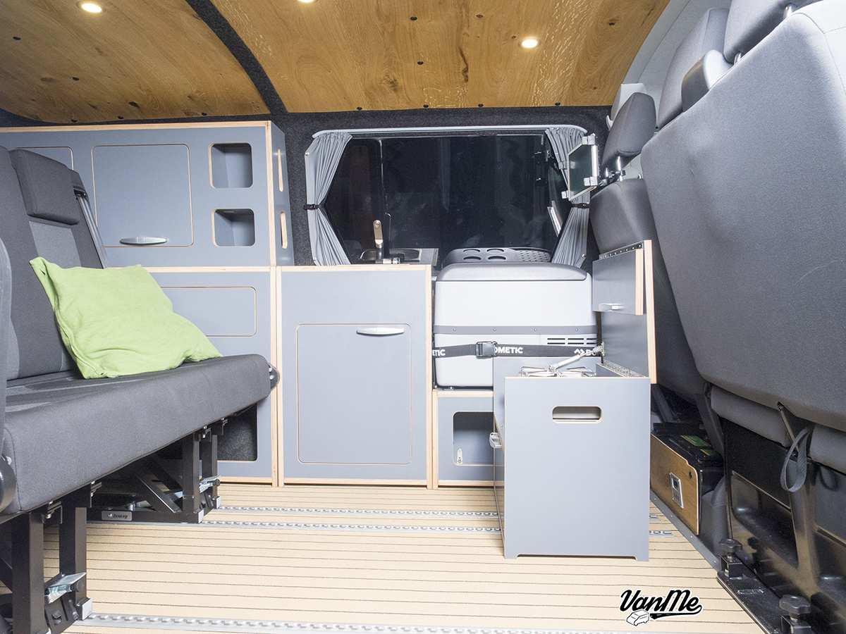 Bild 13: Volkswagen T5 Transporter Kombi